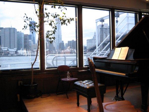 Enjoy free classical concerts at Bargemusic