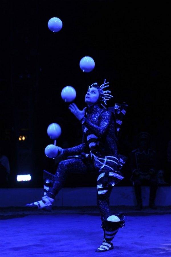 Juggler Dmitry Chernov