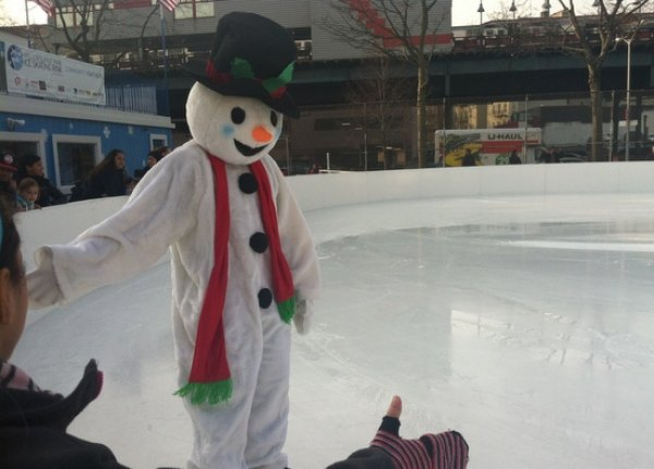 Even Frosty likes skating here