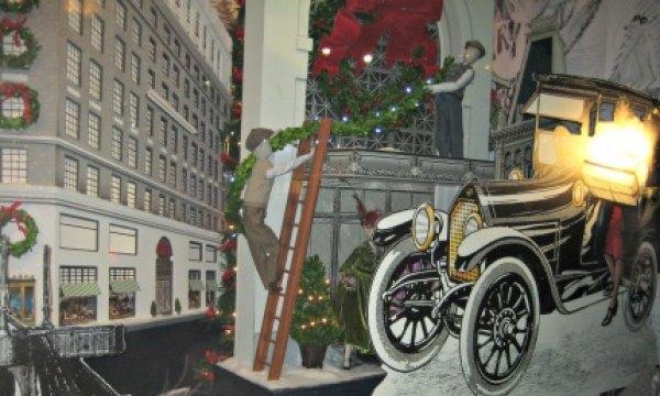 Lord & Taylor's fashionable windows evoke NYC's old Ladies' Mile