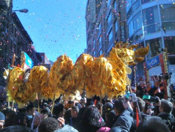 You need to arrive really early to snag a good spot at Chinatown's Lunar<br /> New Year Parade