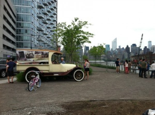 There are great views of midtown Manhattan at LIC Flea & Food