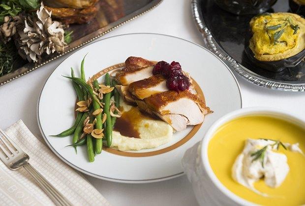 16 nyc restaurants serving family thanksgiving dinner for What restaurants are serving thanksgiving dinner